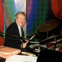 Red Carter in action on his drumkit
