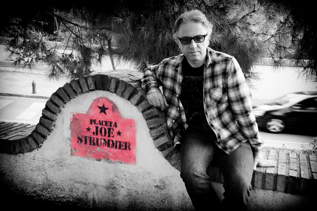 Nick Lauro at the Placeta Joe Strummer, Granada, Spain